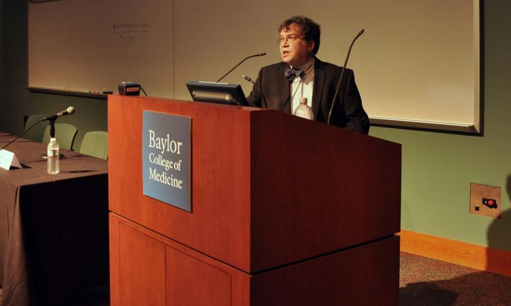 Dr. Hotez speaks at the 2nd annual vax technology conference